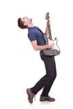Passionerad gitarrist arkivfoton