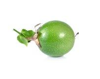 Passionfruit σε ένα άσπρο υπόβαθρο Στοκ φωτογραφίες με δικαίωμα ελεύθερης χρήσης