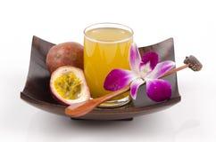 Passionfruit (пассифлора edulis) Стоковые Фотографии RF