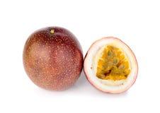 Passionfruit ha isolato su fondo bianco Immagini Stock Libere da Diritti