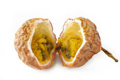 Passionfruit op witte achtergrond Stock Foto