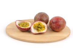 Passionfruit (pasionaria edulis) Imagen de archivo libre de regalías