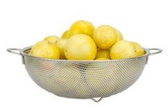 Passionfrukter som isoleras på på den snabba banan för vit bakgrund Fotografering för Bildbyråer
