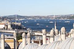 Passo de Bosphorus na cidade de Istambul Imagens de Stock Royalty Free