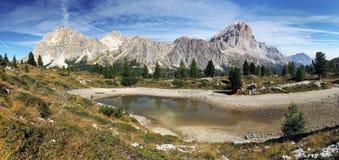 Passo Falzarego in montagna delle dolomia dell'Italia Fotografie Stock Libere da Diritti
