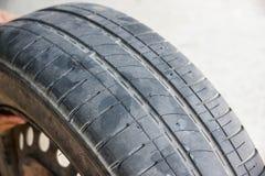 Passo gastado do pneu de carro Imagens de Stock Royalty Free
