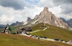 Passo Giau e supporto Ra Gusela, alpi dell'europeo di Italien Fotografia Stock