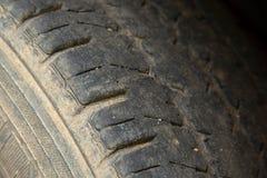 Passo preto danificado e vestido do pneu foto de stock royalty free