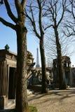Passy公墓和艾菲尔铁塔 库存图片