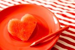 Pastèque juteuse fraîche de forme de coeur Photographie stock libre de droits