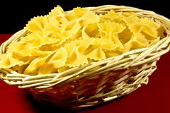 basket of pasta Royalty Free Stock Photos
