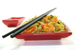 Pasta with asian shrimp Royalty Free Stock Images