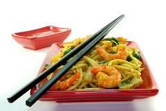 Pasta with asian shrimp Royalty Free Stock Photography