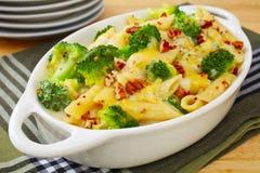 Pasta bakar med broccoli Royaltyfri Fotografi