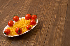 Pasta and cherry tomatoes for lunch Royalty Free Stock Photos
