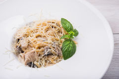 Pasta with chicken and mushrooms Royalty Free Stock Photos