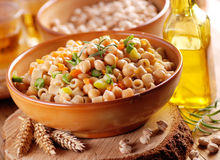 Pasta with chickpeas and vegetables Royalty Free Stock Photos
