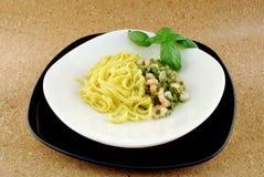 Pasta con asparago e gambero Immagine Stock