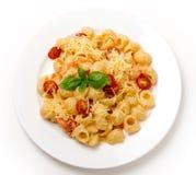 Pasta con crema ed i pomodori da sopra Fotografie Stock