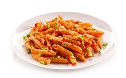 Pasta con salsa al pomodoro Immagini Stock Libere da Diritti