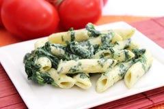 Pasta con spinaci Fotografie Stock Libere da Diritti