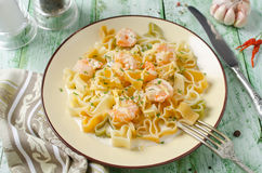 Pasta in cream sauce with shrimp Royalty Free Stock Photos