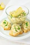 Pasta cremosa servida com pão francês Foto de Stock Royalty Free