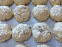 Pasta cruda dei muffin casalinghi per cuocere Fotografie Stock