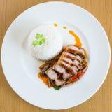 Pasta de Fried Crispy Pork Red Curry da agitação Imagem de Stock