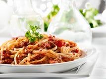 Pasta degli spaghetti con la salsa del manzo del pomodoro Fotografie Stock