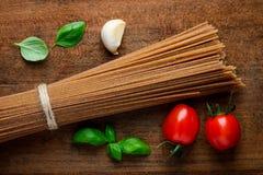 Pasta degli spaghetti del grano intero Immagine Stock Libera da Diritti