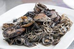 Pasta dei frutti di mare in piatto bianco Fotografie Stock Libere da Diritti