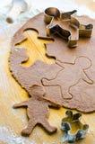 Pasta del biscotto del pan di zenzero con gli uomini immagine stock