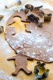 Pasta del biscotto del pan di zenzero con gli uomini immagini stock libere da diritti