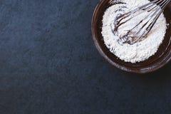 Pasta del cioccolato con la corolla Fotografia Stock Libera da Diritti