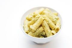Pasta del verde di pesto di Rigatoni Immagini Stock Libere da Diritti