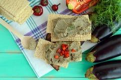 Pasta delicada, pasta da beringela Prato dietético Põe sobre um pão torrado da aptidão da dieta de baixo-caloria Culinária do veg Imagem de Stock Royalty Free