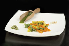 Pasta dell'italiano di Fusilli fotografia stock libera da diritti