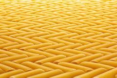 Pasta della farina nel modello di zigzag Immagini Stock