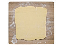 Pasta della pasta sfoglia sul bordo di cottura Fotografia Stock
