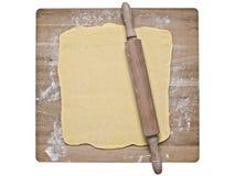 Pasta della pasta sfoglia sul bordo di cottura Fotografia Stock Libera da Diritti
