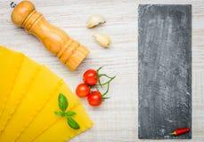 Pasta delle lasagne al forno di Reginette e spazio della copia Fotografia Stock Libera da Diritti