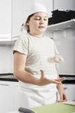 Pasta di lancio del ragazzo su Immagini Stock
