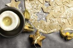 Pasta di Natale con una candela Fotografia Stock