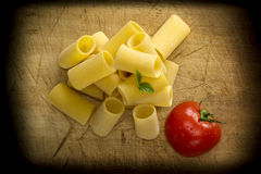 Pasta di Paccheri Fotografia Stock Libera da Diritti