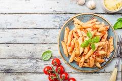 Pasta di Penne in salsa di pomodori Fotografia Stock