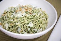 Pasta di Pesto con le noci di pino Fotografie Stock