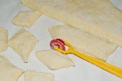 Pasta di taglio per i biscotti Fotografia Stock Libera da Diritti
