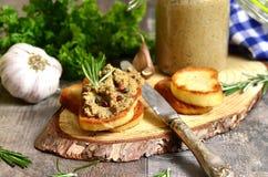 Pasta do fígado e dos vegetais da carne Fotografia de Stock