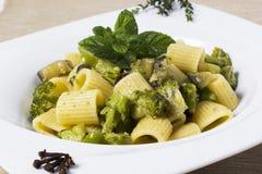 Pasta e broccoli Fotografia Stock Libera da Diritti